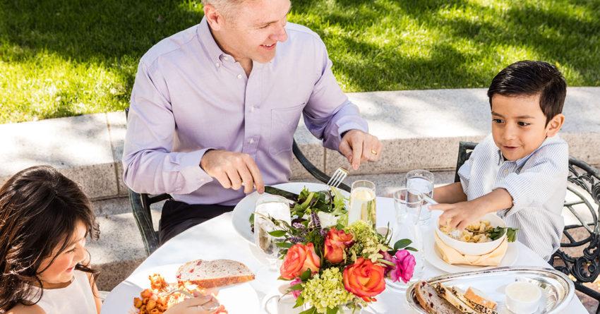 Καλοκαιρινό Οικογενειακό τραπέζι